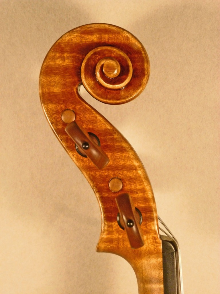 kloo violin scroll